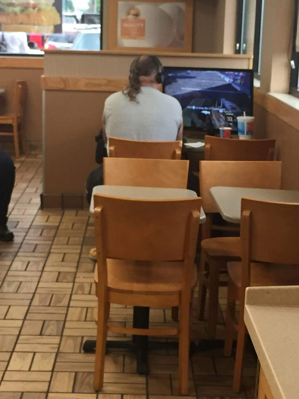 Fast food and fast internet connection?